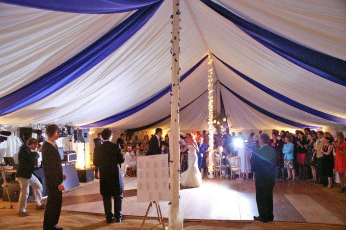 blue & white themed interior 001 - dp marquees