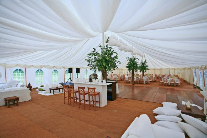 green & white themed interior 003 - dp marquees